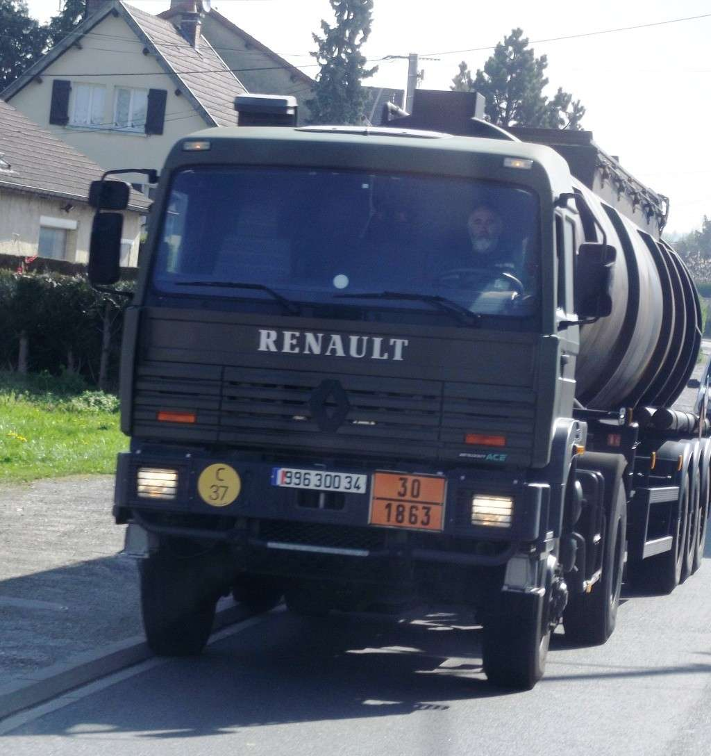 Camions de l'Armée - Page 10 Photo530