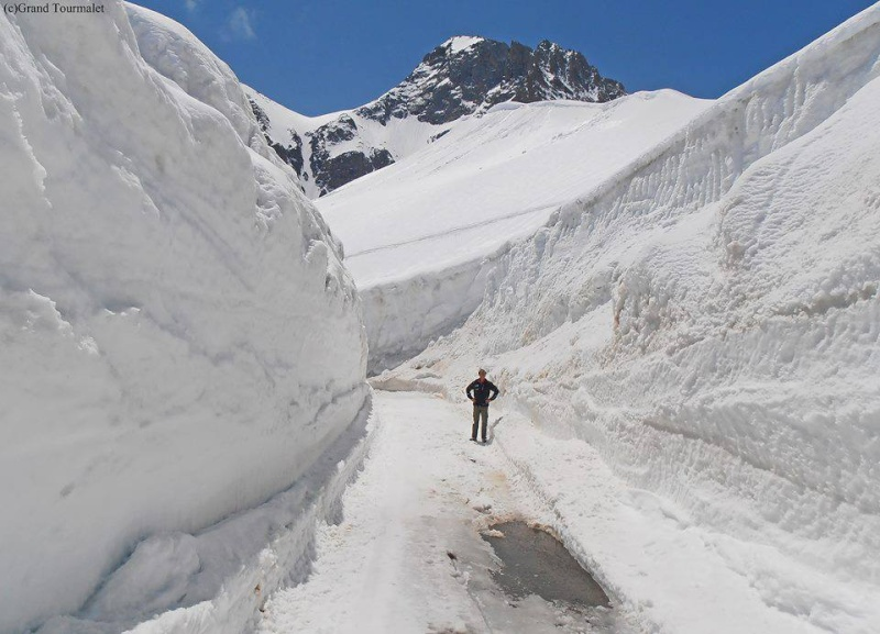 Ouverture des grands cols alpins 17977610