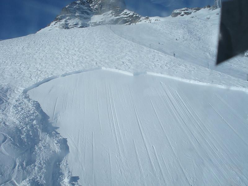 Avalanches dans les autres massifs Plaque10