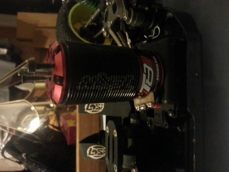 Losi 8ight 2.0 electric truggy and Tekin T8 Motor 20130512