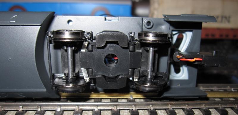 Transformation en 3 rails et digitalisation automotrice TRIX ET 56 Img01810