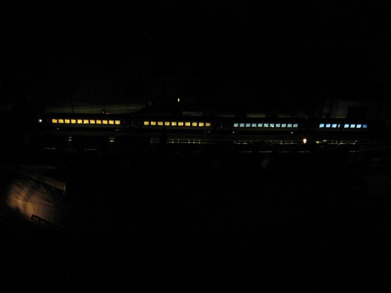 Eclairage pour voitures Märklin - Page 2 Img_0244