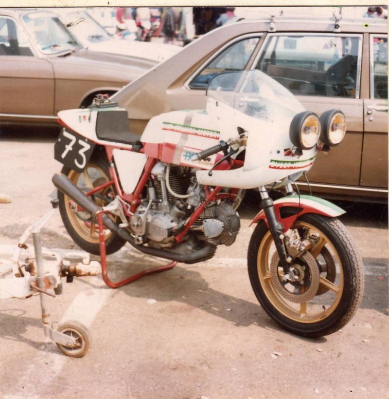 Ducati Twins à Couples Coniques : C'est ICI - Page 9 900_du12