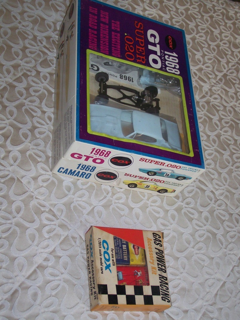 cox gto and camaro engine question 020_ca12