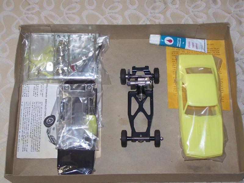 cox gto and camaro engine question 020_ca16