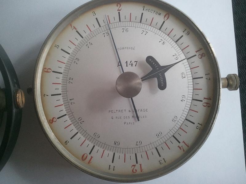altimètre et compas Altime17