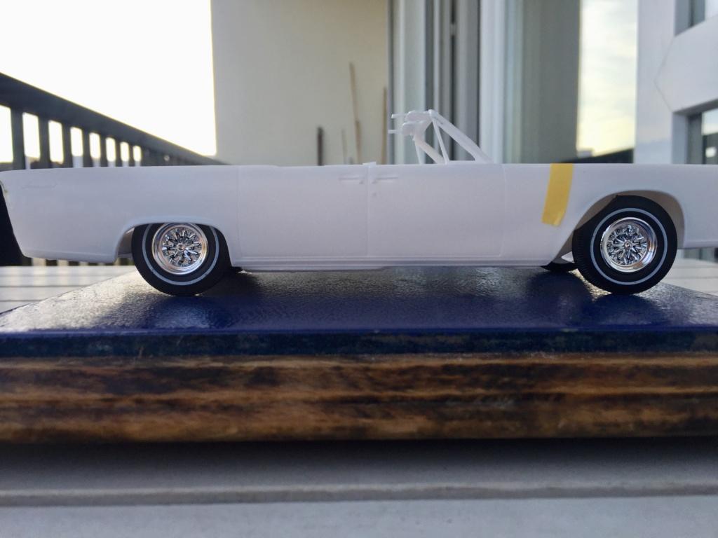 Lincoln Continental 1965.... 210