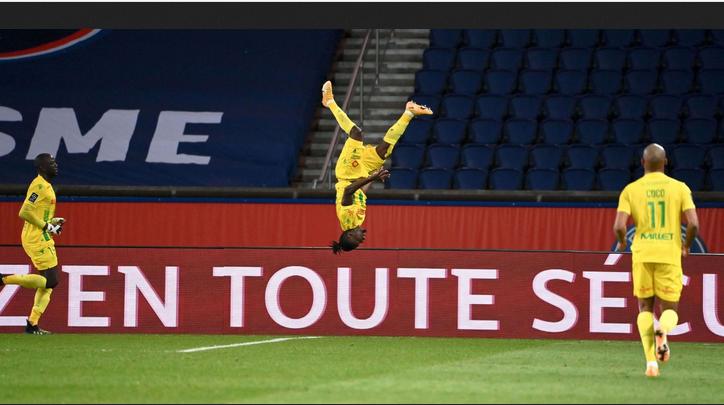 Championnat de France de football LIGUE 1 2020 -2021 - Page 15 Cap12671