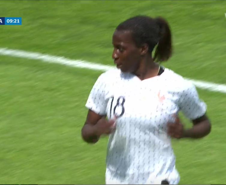 Équipe de France féminine de football - Page 6 Capt4818