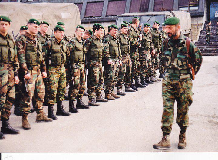 Mercenaires dans les forces croates 41925710