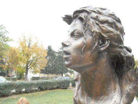 William Wagener - Page 2 Statue16