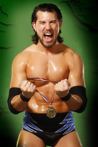 Un lutteur de la NXT bientôt opéré Richie10