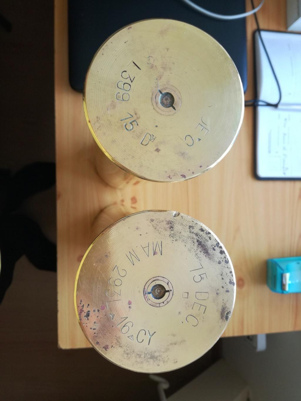 deux douilles à identifier Img_2076