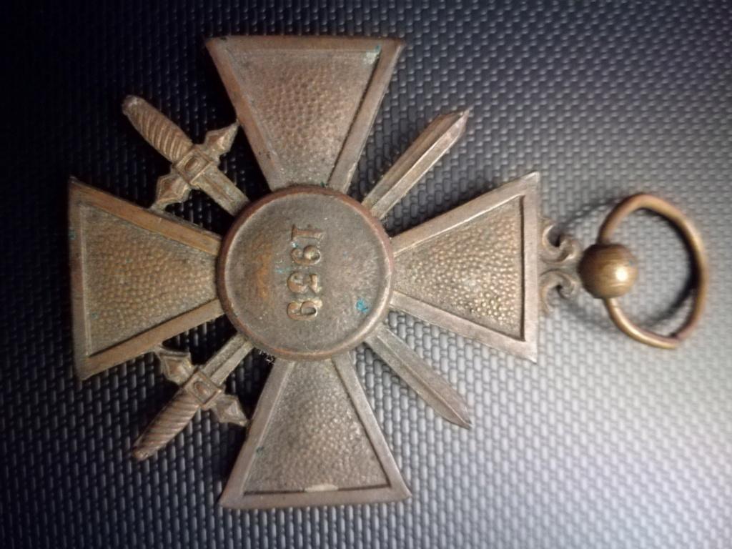 Médailles et insignes  Img_2352