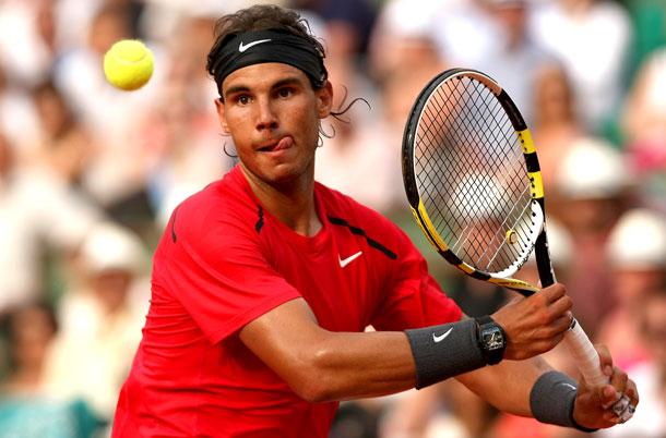 Roland Garros 2013 : certains jouent avec une montre, danger pour le mécanisme ? - Page 3 Rafa-n10