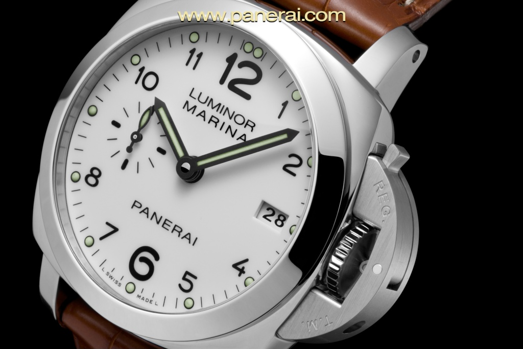 Communiqué de Presse : LUMINOR MARINA 1950 3 DAYS AUTOMATIC - 42mm- PAM00523 Pam00511