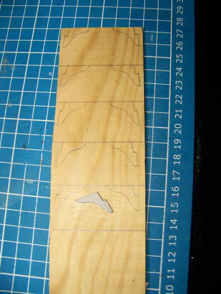 La Licorne ex-kit remaniée en scratch 1:72 fascicules Hachette - Page 19 100_1512