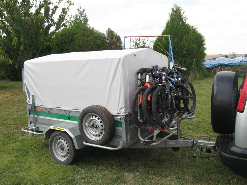 vélos + tente = quel solution de remorque ? Img_0014