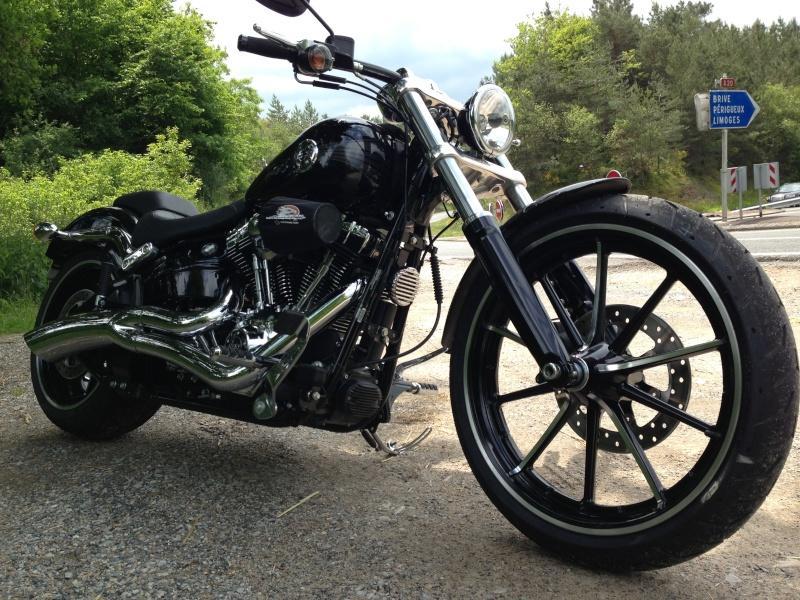 Combien de breakoutboy sur le Forum Passion-Harley ?? Img_2119