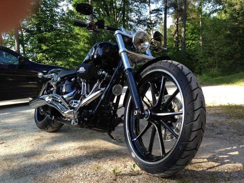 Combien de breakoutboy sur le Forum Passion-Harley ?? Img_2121