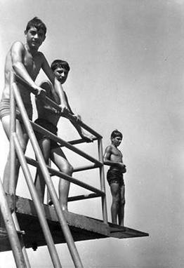 Fotos  de 1971 del viaje a Santiago y Segorbe Segorb11