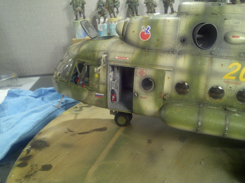 diorama hélicoptère MIL MI 8 Saint-38
