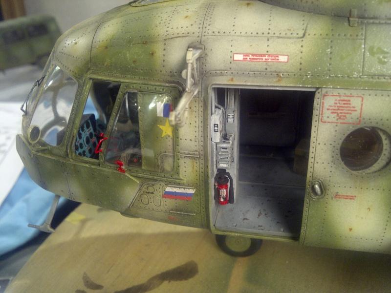 diorama hélicoptère MIL MI 8 Saint-40