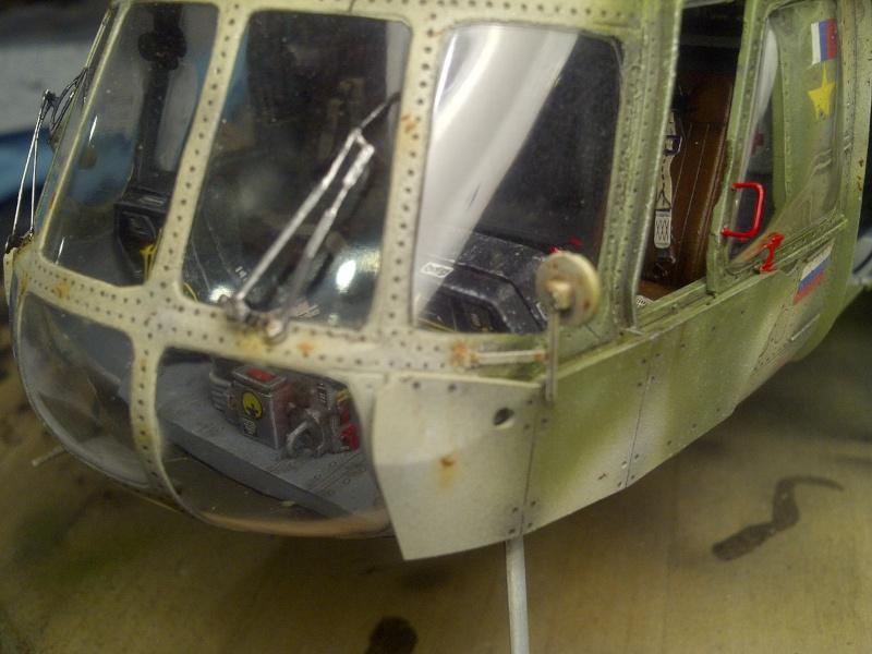 diorama hélicoptère MIL MI 8 Saint-42
