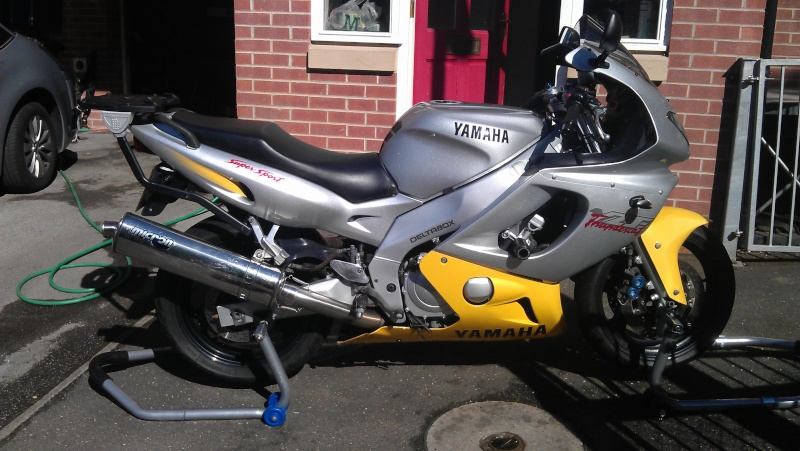 1997 R Reg Cat in Silver/Yellow for sale. 33k in Sheffield Imag1411