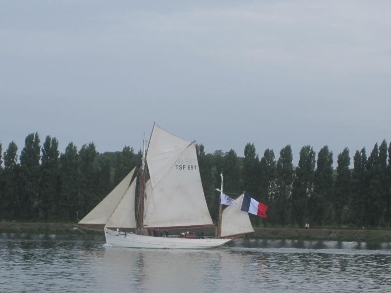armada 2013 Rouen - Page 3 Ar310