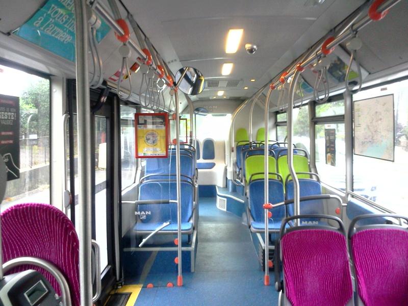 Photos d'intérieur des bus de votre réseau - Page 3 Man_li27