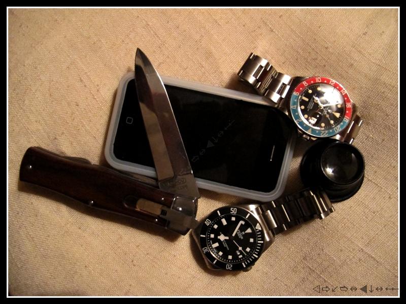 Le vide-poches, le retour... ou quoi dans les poches et au poignet... Img_4324