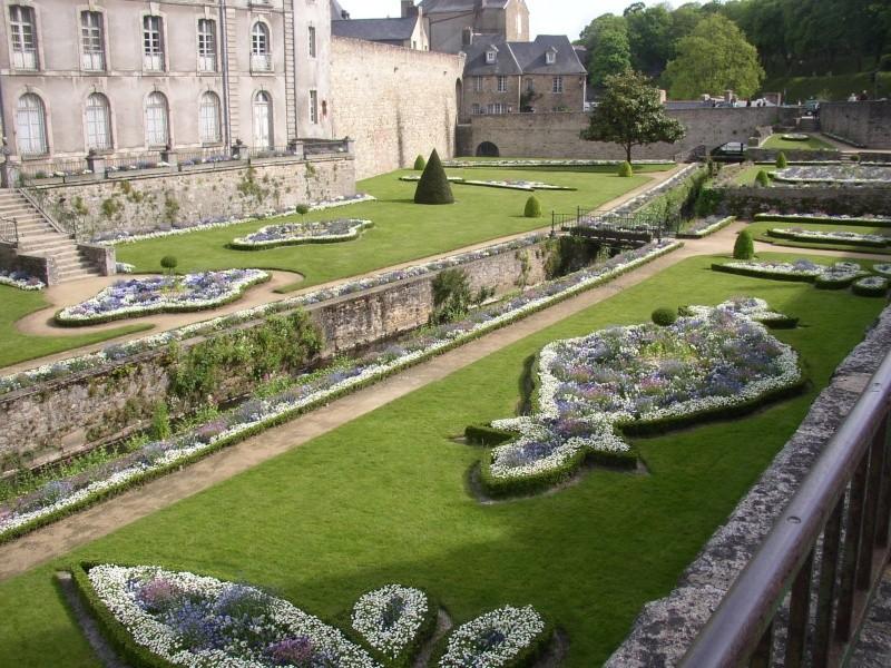 expo dans les jardins des remparts de vannes Vannes12