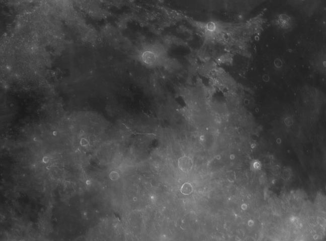Balade sous les cieux de la Lune et de Saturne 23/04/13 Hyginu11