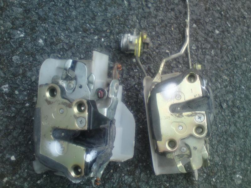Wanted E10 drivers side manual door lock for a 2 door xli corolla  Dsc01610