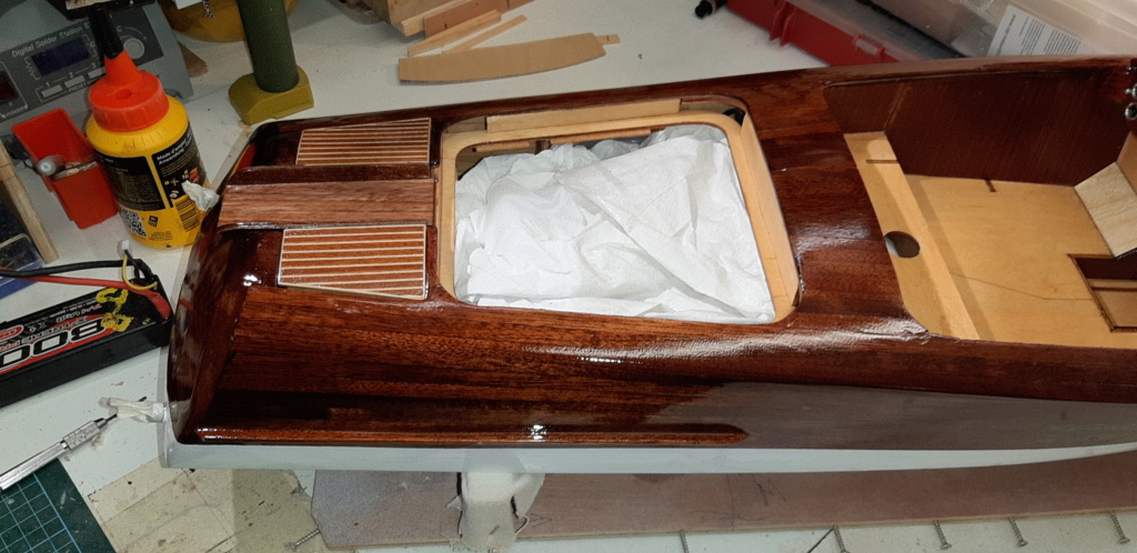 Mon Riva aquarama echelle 1/10 de chez Amati - Page 2 20200457