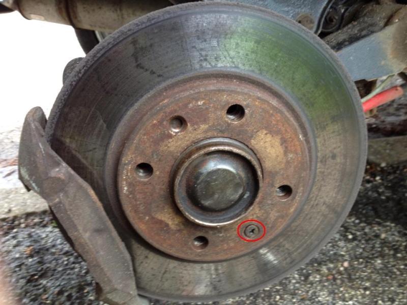 Tuto: Changer ses plaquettes de freins/disques arrière (1,9) 25338511