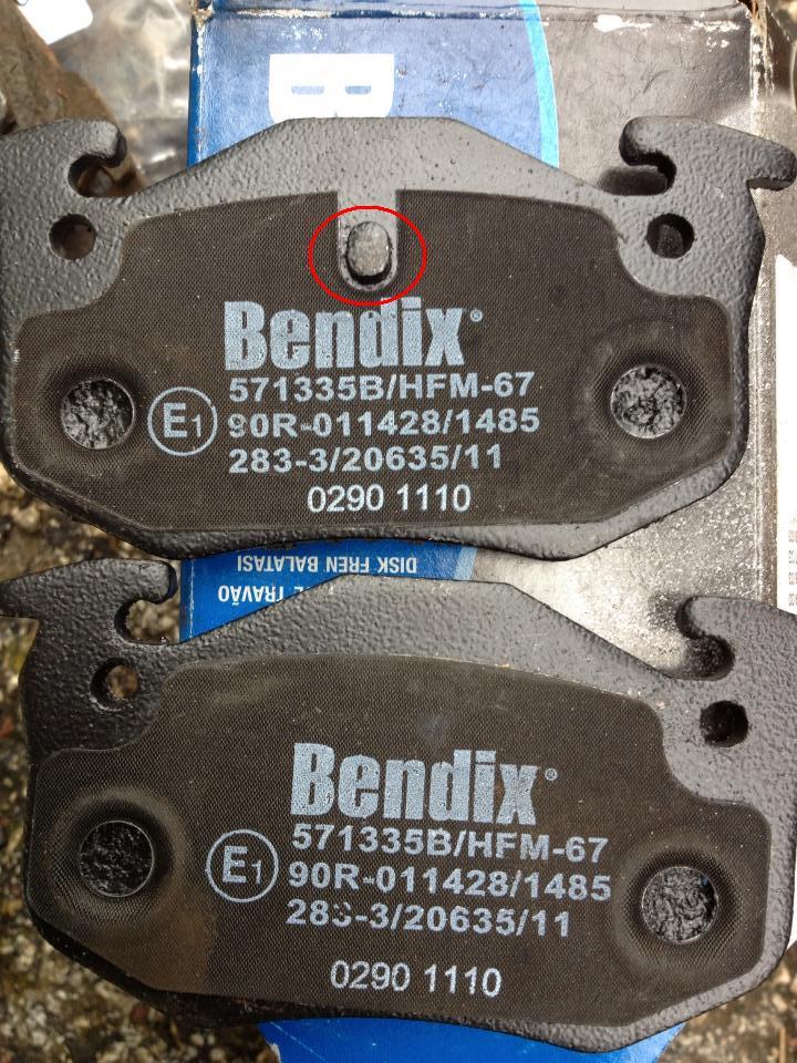 Tuto: Changer ses plaquettes de freins/disques arrière (1,9) 31211410