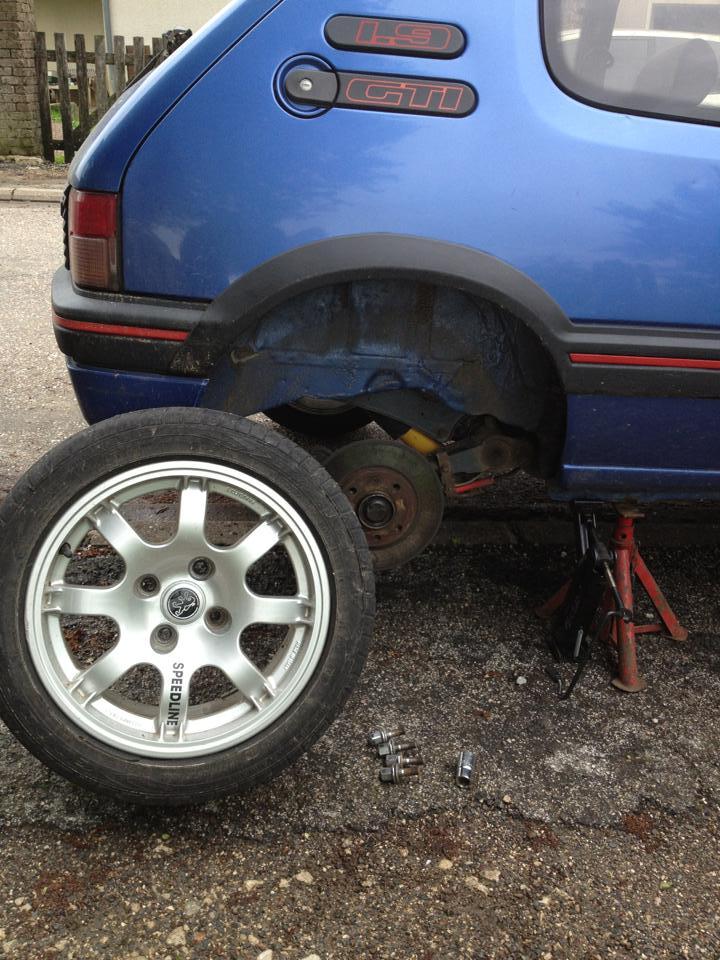 Tuto: Changer ses plaquettes de freins/disques arrière (1,9) 96935010