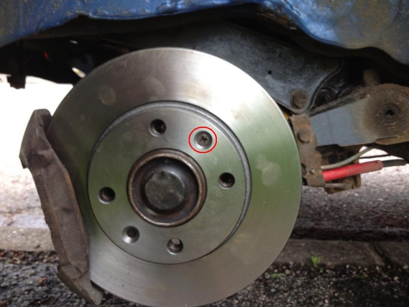 Tuto: Changer ses plaquettes de freins/disques arrière (1,9) 98411310