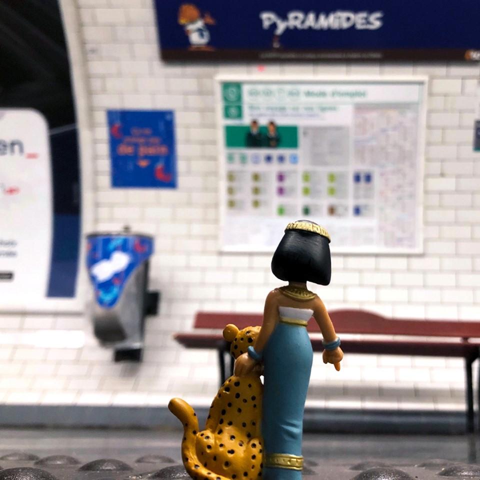 Hommage de la RATP pour les 60ans d'Asterix et d'Obelix Asteri23