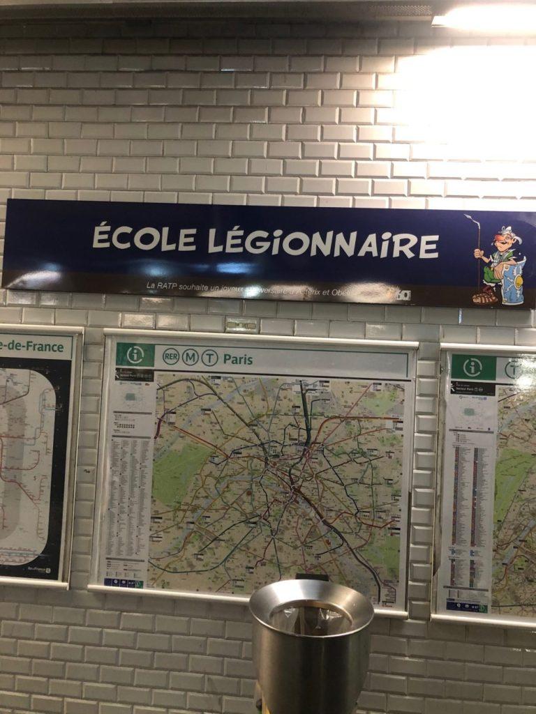 Hommage de la RATP pour les 60ans d'Asterix et d'Obelix Asteri24