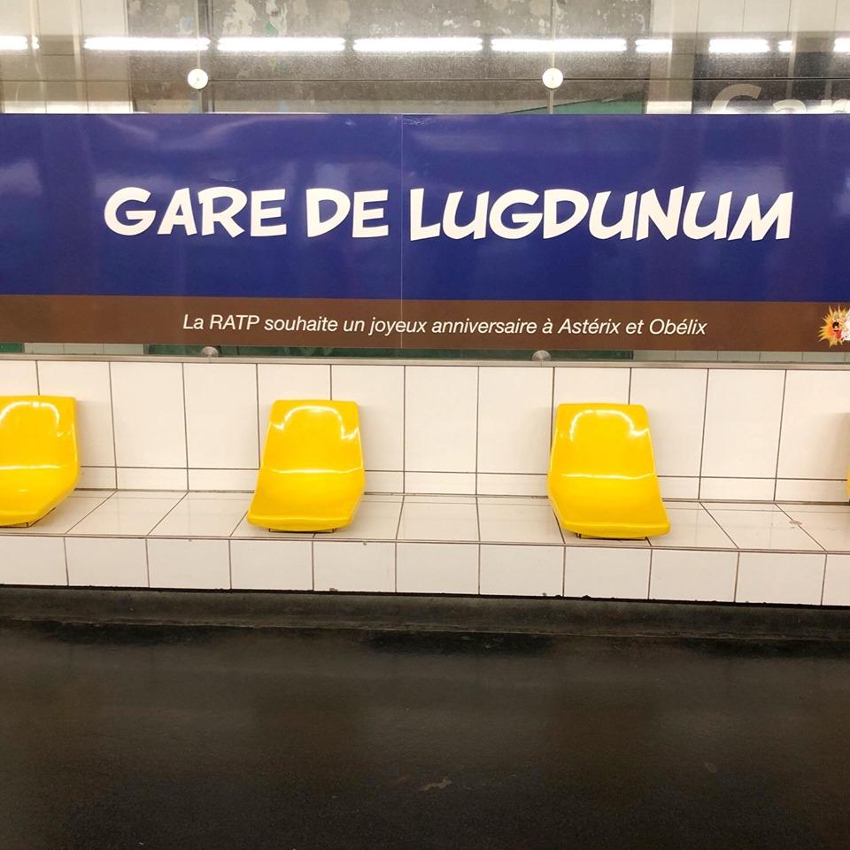 Hommage de la RATP pour les 60ans d'Asterix et d'Obelix Asteri25