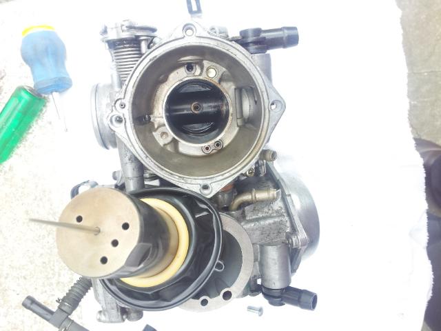 Deauville 650 : remise en état des carburateurs (retours de flammes !) 20130440