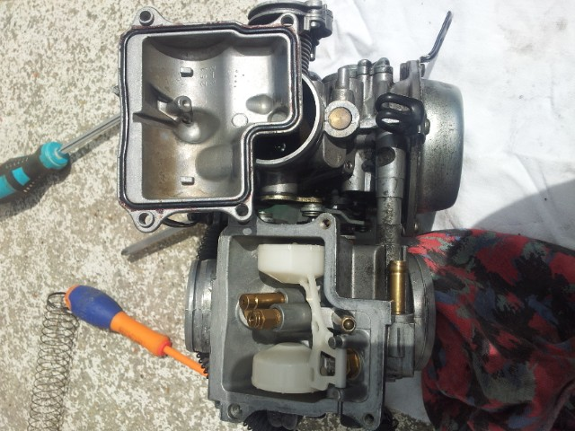 Deauville 650 : remise en état des carburateurs (retours de flammes !) 20130442
