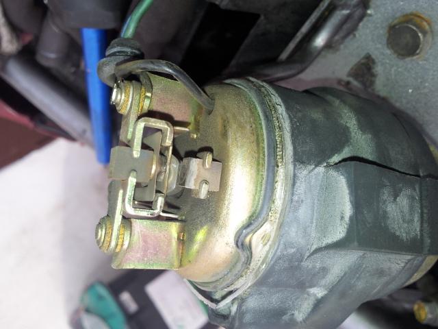 Deauville 650 : remise en état des carburateurs (retours de flammes !) 20130516