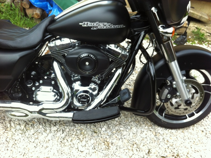 suppression du pare jambes sur Street Glide - Page 3 Img_2515