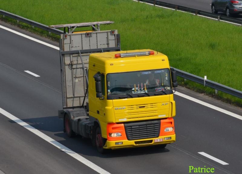 Camion pour signalisation sur autoroute 432a_c10