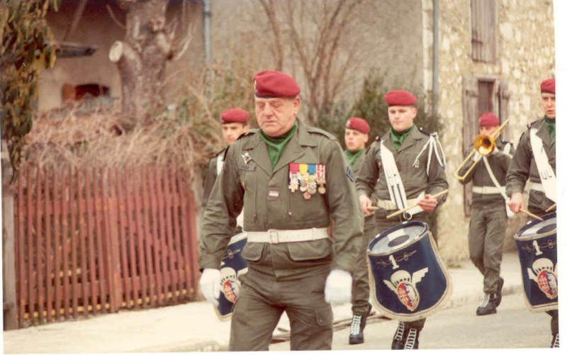 [b]Musique du 1° Régiment de Hussards parachutistes avec le Major KEIGER[/b] 1a_r_h13