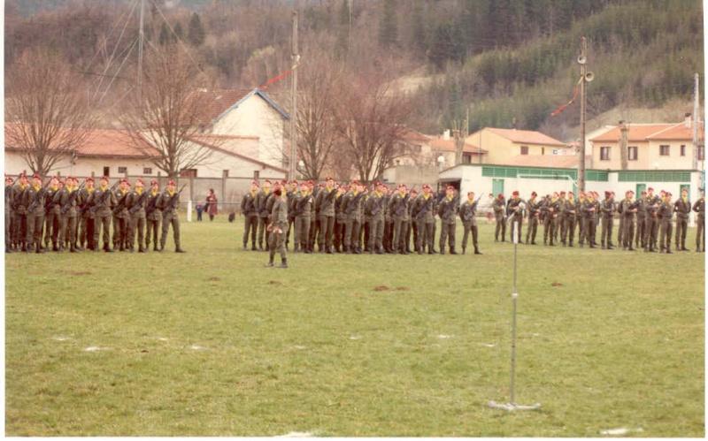 Remise de fourragères a Belesta (09) en 1983  Au_1ap10